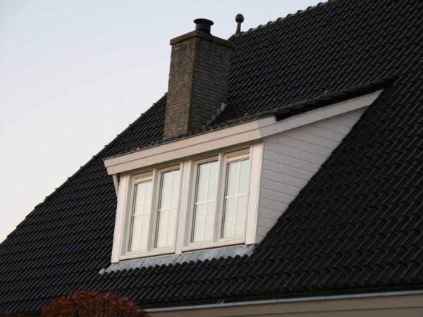 Dakkapel 4 meter breed met een schuin dak? Vergelijk de prijzen op dakkapelplaatsenvergelijker.nl
