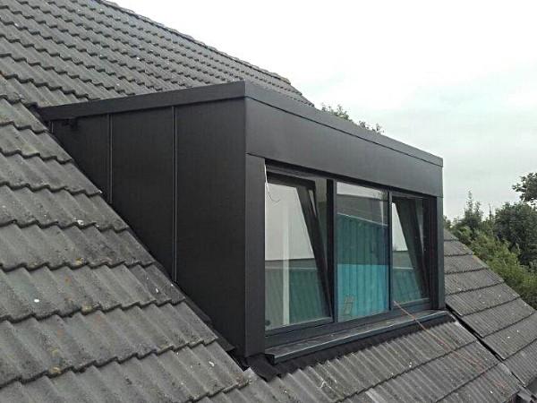 Zwart zinken dakkapel? Vergelijk de prijzen op Dakkapelplaatsenvergelijker.nl!