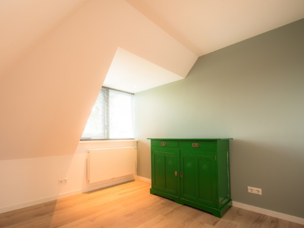 Bekijk deze afgewerkte dakkapel met verwarmingselement op Dakkapelplaatsenvergelijker.nl