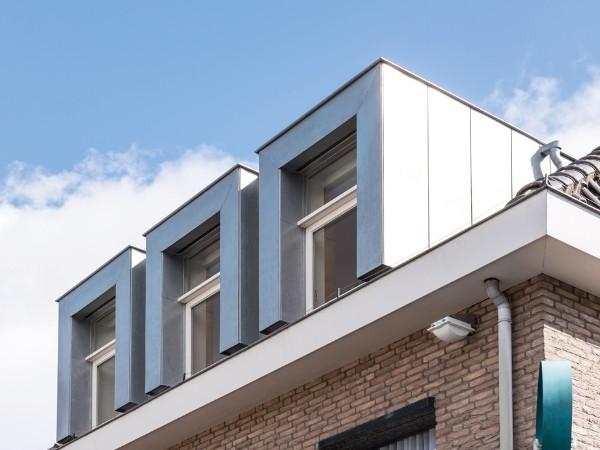 Dakkapel bekleden met zink? Vergelijk de prijzen op dakkapelplaatsenvergelijker.nl